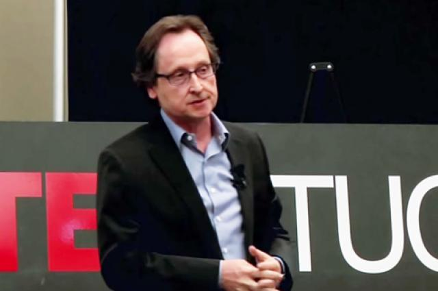 Rozenblit discusses his research into computer-aided surgery during a TEDx Talk at the UA Student Union in 2013.